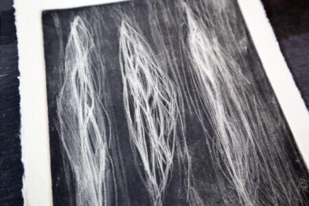 【銅版画の作り方 技法 その⑪】深い黒色が魅力的!メゾチント(mezzotint) で作ってみよう